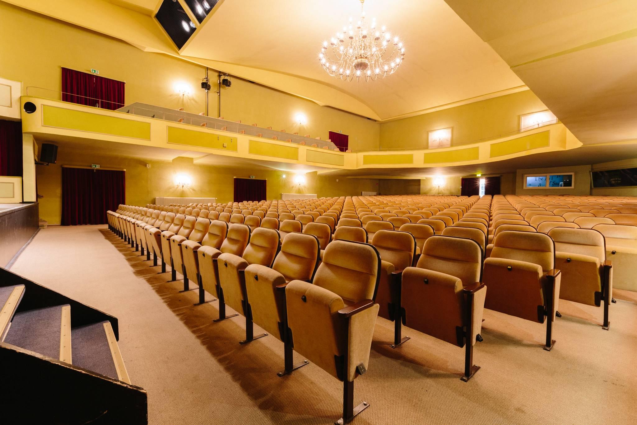 Brunnentheater-(003)-Petersen-Philigran-Studio