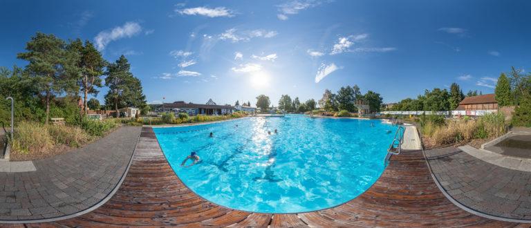 Das Freibad Grasleben bietet seinen Besuchern Schwimmbecken und Planschbecken gefüllt mit Salzsole anstatt Chlorwasser.